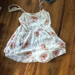 Barely worn flowery romper!